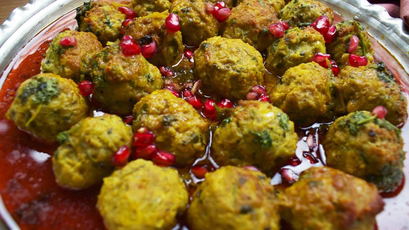 grandma meatballs with saffron rice